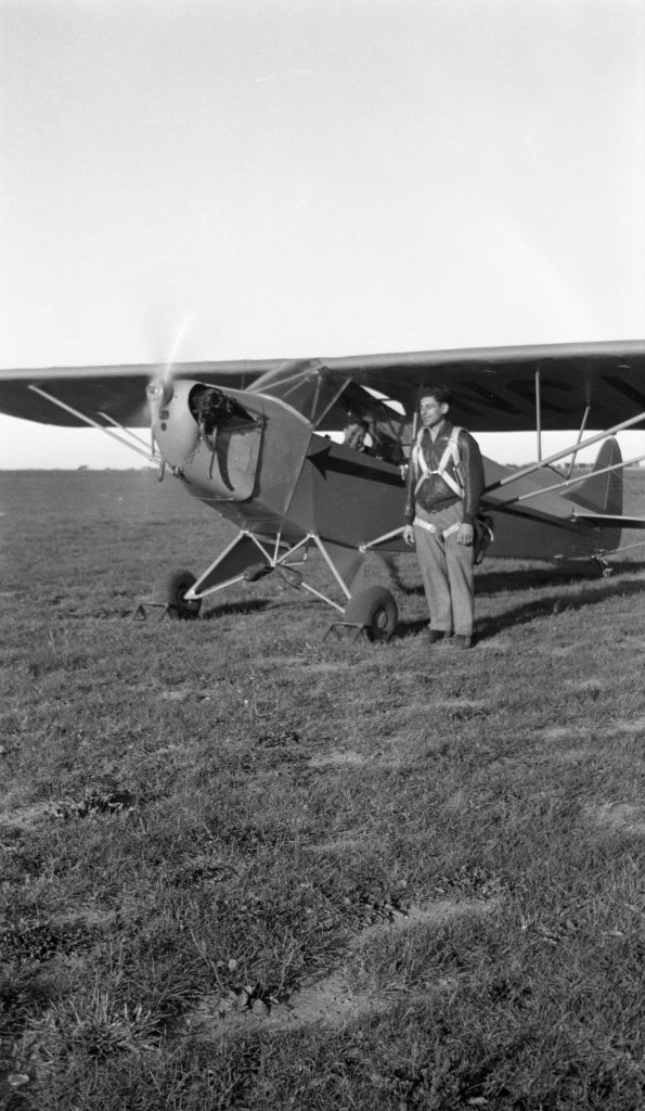 "Tony Riccio standing next to a running Tayler ""Cub"" J-2."